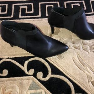 Vince Camuto Shoes - VINCE CAMUTO BLACK LEATHER BOOTIES
